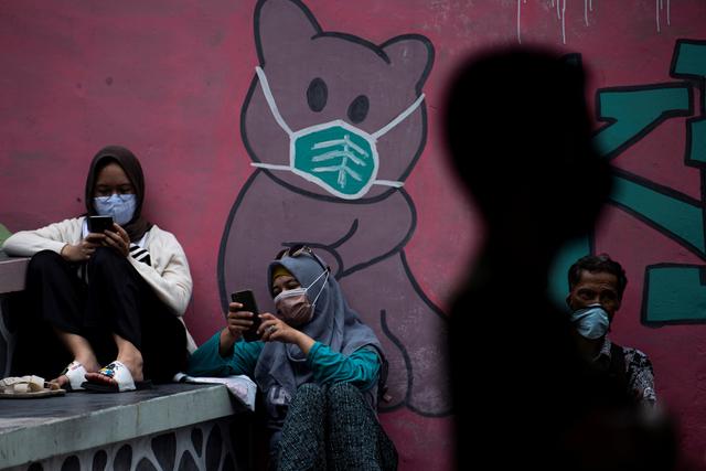 Foto: Vaksinasi Bagi 18 Tahun Ke Atas di RPTRA Bandar Kemayoran (232950)