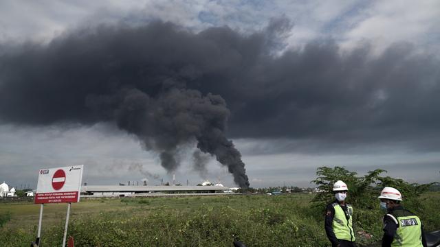 Bos Pertamina Pantau Langsung Kilang Cilacap Pasca Kebakaran Tangki (49576)