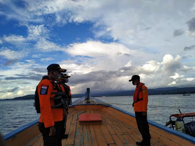 Tim SAR Masih Cari 2 Korban Kapal Terbalik di Danau Towuti, Luwu Timur (231183)