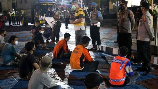 Berantas Pungli di Majalengka, 22 Orang Ditangkap Termasuk Juru Parkir (461627)