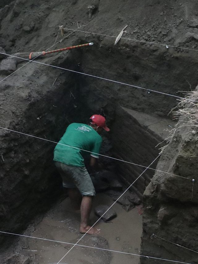 Foto: Penemuan Gentong Batu Peninggalan Kerajaan Kadiri (329474)
