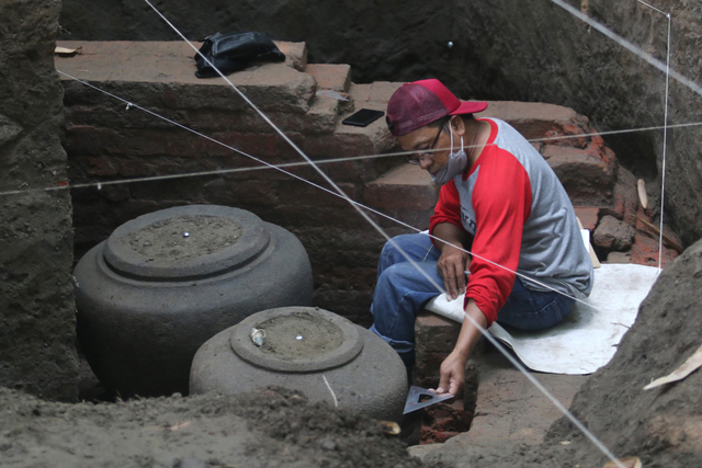 Foto: Penemuan Gentong Batu Peninggalan Kerajaan Kadiri (329478)