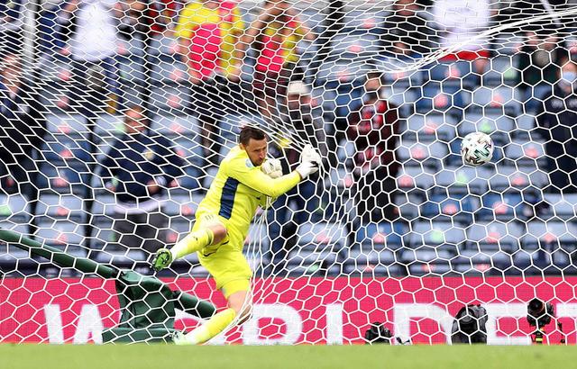 Gol Jarak Jauh Patrik Schick ke Gawang Skotlandia Jadi yang Terbaik di Euro 2020 (1240464)
