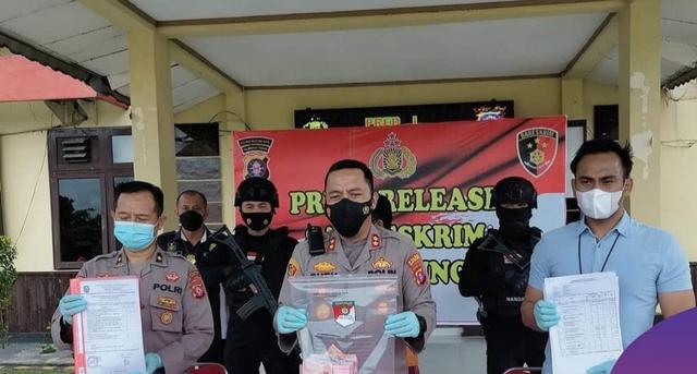 Korupsi Dana Desa untuk Judi, Seorang Mantan Kades di Kalteng Ditangkap (46368)