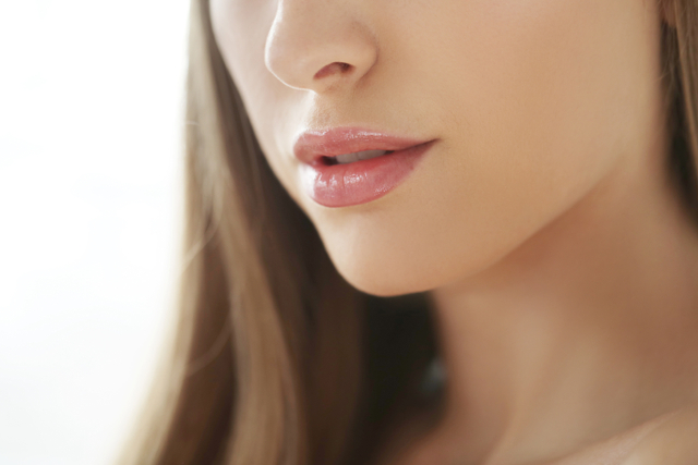 Cara Memerahkan Bibir Secara Alami yang Patut Dicoba Kaum Hawa (471750)