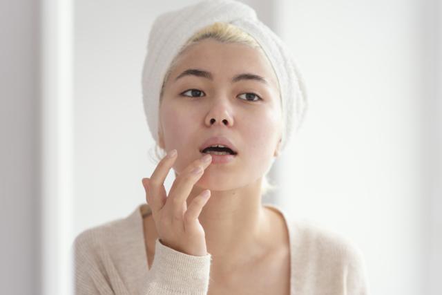 Cara Memerahkan Bibir Secara Alami yang Patut Dicoba Kaum Hawa (471751)