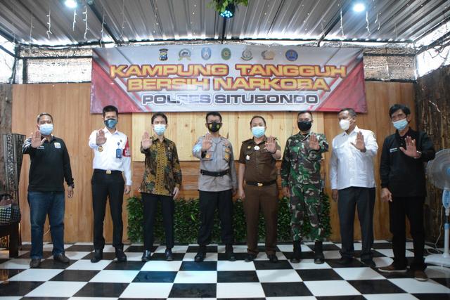 Polres Situbondo Launching Kampung Tangguh Bersih Narkoba (199126)