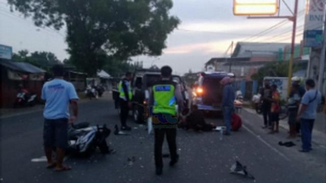Pikap Tabrak Motor di Tuban, 2 Orang Pemotor Luka-luka (43327)