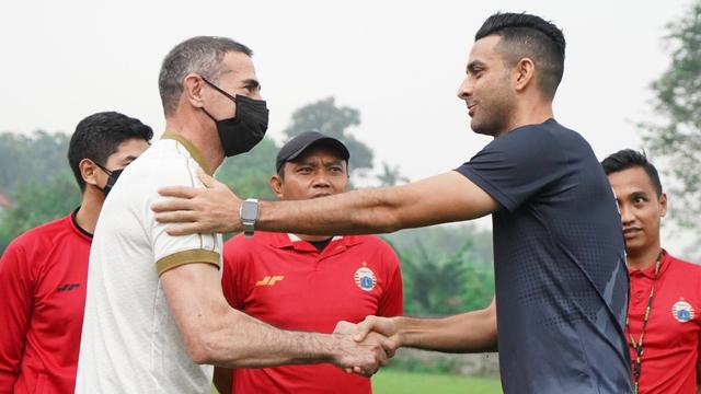 Angelo Alessio Pimpin Latihan Persija, Minta Pemain Tunjukkan Komitmen (454143)