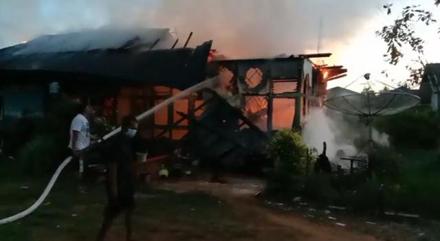 Ditinggal Tugas Luar Kota, Rumah Dinas PNS di Mempawah Terbakar (387730)