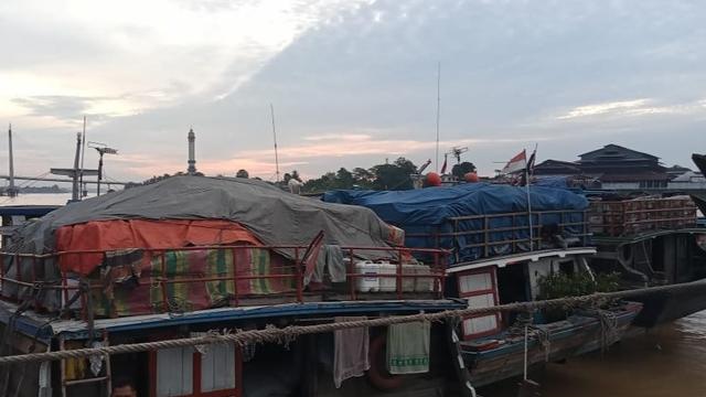 Kapal Pengangkut Sembako dari Jambi ke Dabo Singkep Ditahan, Apa Dampaknya? (97484)