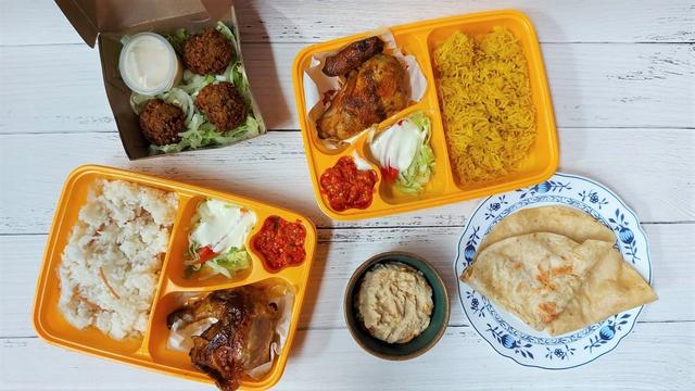 Gurih dan Lembutnya Ayam Panggang Khas Palestina di Emado's Shawarma (384455)