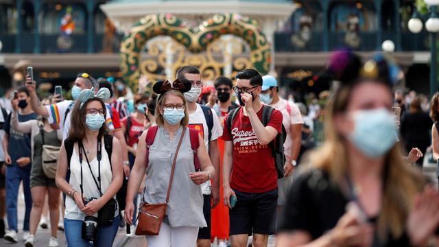 Disneyland Kembali Wajibkan Pengunjung Pakai Masker di Area Indoor (319260)