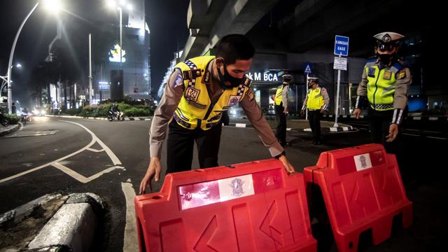 Foto: Pembatasan Mobilitas Warga pada Masa PPKM di Jakarta (50243)