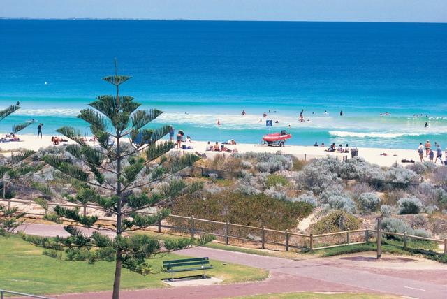 Skydiving hingga Surfing, 5 Wisata Petualangan yang Wajib Dicoba Saat ke Perth (22734)