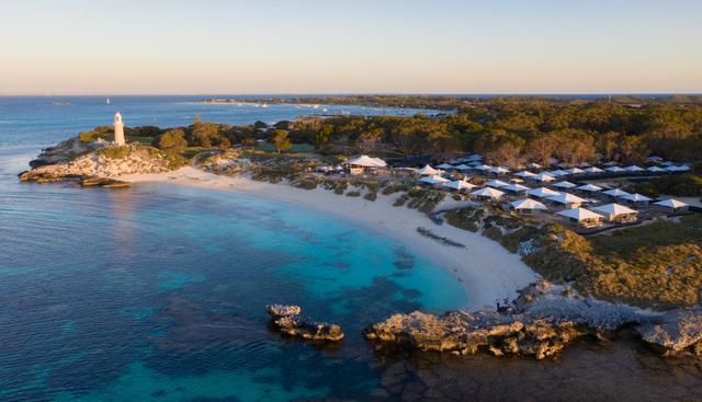 Skydiving hingga Surfing, 5 Wisata Petualangan yang Wajib Dicoba Saat ke Perth (22731)