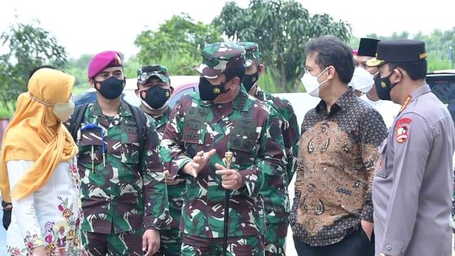Panglima TNI Perintahkan Polisi dan Tentara Data Warga Depok yang Positif Corona (346243)