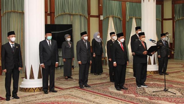 Gubernur Kepri Mutasi Sejumlah Pejabat, Termasuk Sekda (60388)