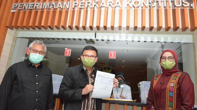 Komisioner KPU Arief dan Evi Gugat Putusan DKPP 'Final dan Mengikat' ke MK (97564)