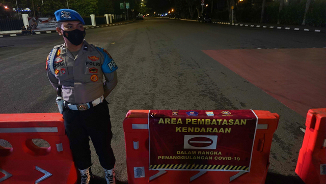 Foto: Pembatasan Mobilitas Kendaraan di Palembang (16593)