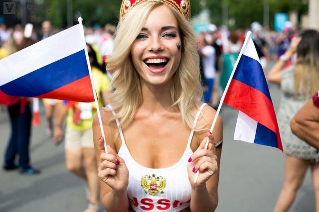 Kisah Fan Timnas Rusia, Difitnah Jadi Bintang Porno karena Terlalu Seksi (595526)