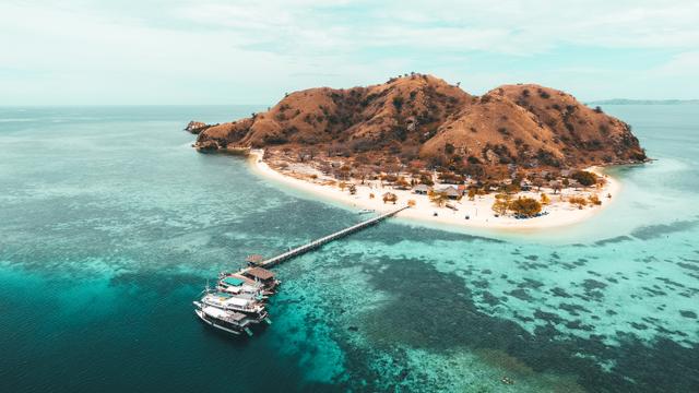 Menilik Pesona Pulau Kanawa, Surga Wisata dari Nusa Tenggara Timur (214945)