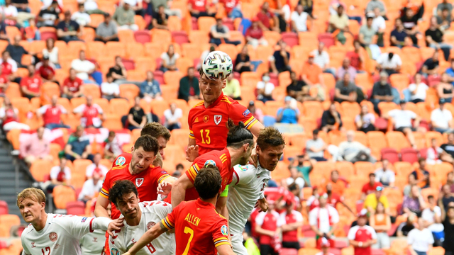 5 Momen Menarik Wales vs Denmark di Euro 2020: Gol Indah hingga Kartu Merah (712455)