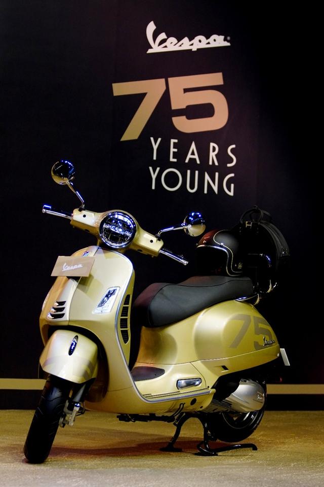 Vespa Primavera dan GTS 300 75 Th Anniversary Rilis di Indonesia, Unit Terbatas! (207971)