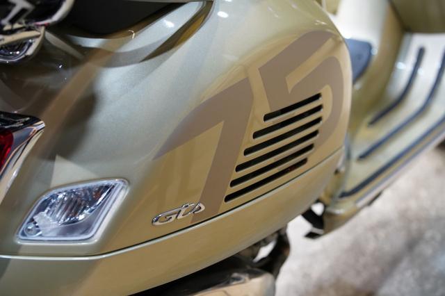 Vespa Primavera dan GTS 300 75 Th Anniversary Rilis di Indonesia, Unit Terbatas! (207972)
