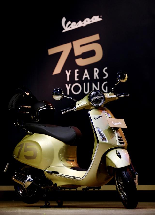 Vespa Primavera dan GTS 300 75 Th Anniversary Rilis di Indonesia, Unit Terbatas! (207967)