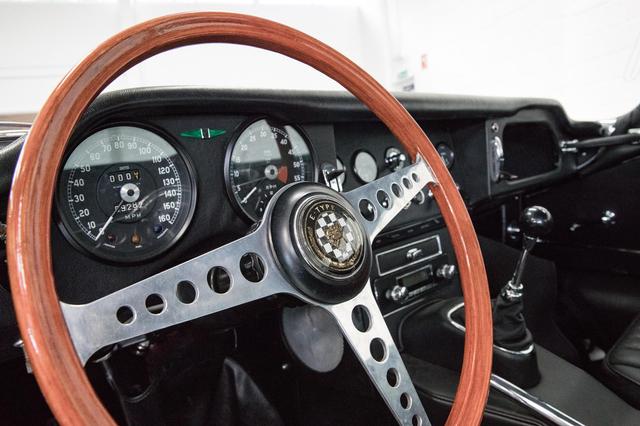 Mobil Ikonik Jaguar Dikonversi Jadi Listrik (280896)