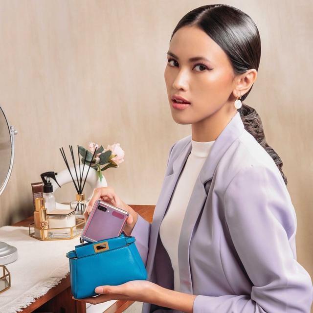 5 Alasan Mengapa Samsung Galaxy Z Flip Bisa Mendukung Gaya Fashion Minimalis (181486)