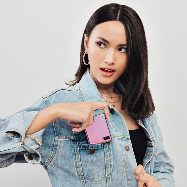 Tingkatkan Kreativitas Fashionmu di Dunia Digital dengan Samsung Galaxy Z Flip (47961)