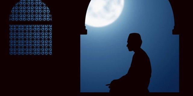 Waktu Terbaik Sholat Tahajud pada Sepertiga Malam Jam Berapa? (795791)