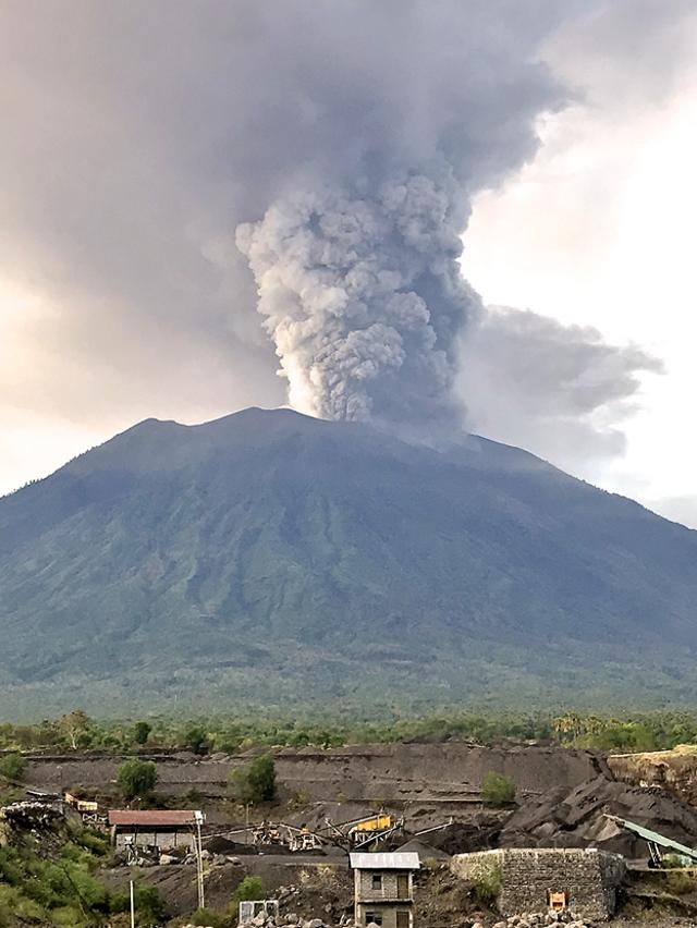 Hubungan Gunung Api Agung dan Pura Besakih dari Waktu ke Waktu (139038)
