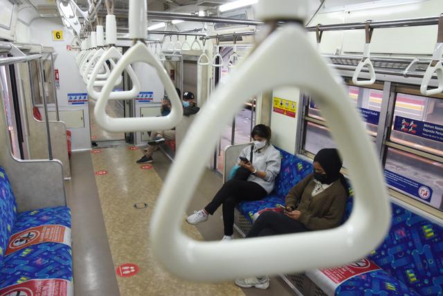 Commuter Line Dianggap Sukses Bikin Masyarakat Taat Prokes (400934)