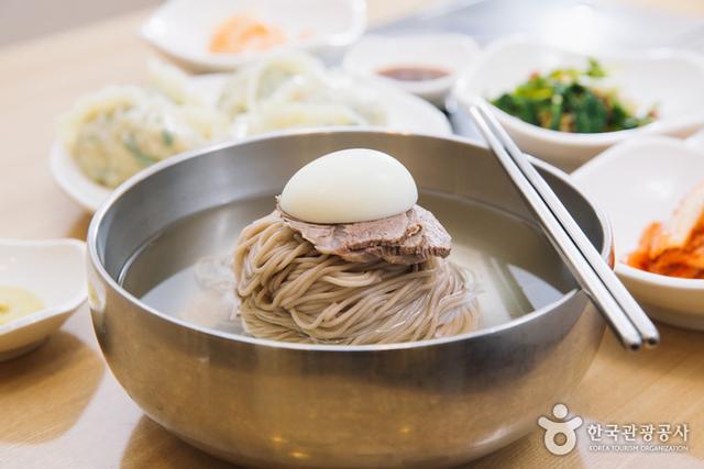 Makanan Khas Korea, Ini 7 Menu Populer dan Menggugah Selera (6942)