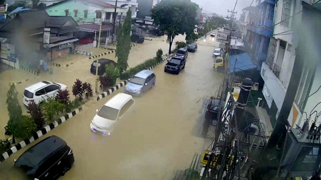 Samarinda Dilanda Banjir, Sejumlah Daerah Longsor (138942)