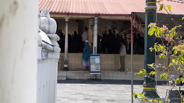 PPKM Darurat: Masjid Kauman DIY Ditutup untuk Umum, Hanya Khusus Jemaah Sekitar (71712)