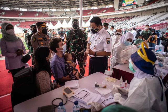 Anies: Alasan Tak Bisa Ikut Vaksinasi Corona di Jakarta Sulit Diterima (83743)