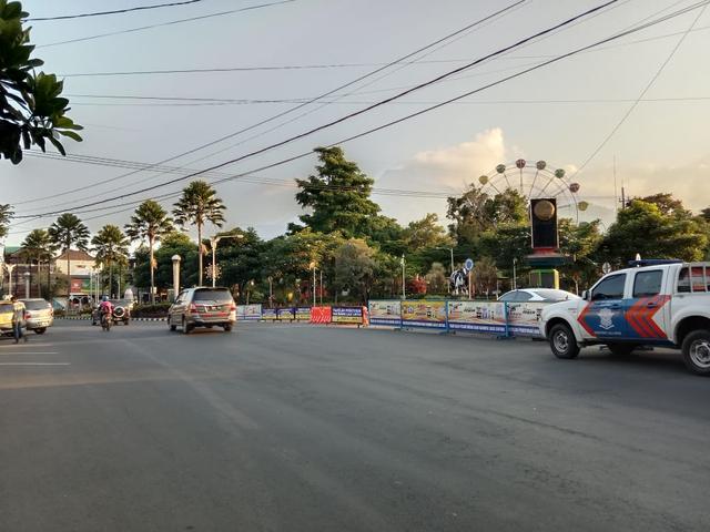 Tak Hanya Penyekatan Batas Kota, Polres Batu Batasi Mobilitas di Tengah Kota (9638)