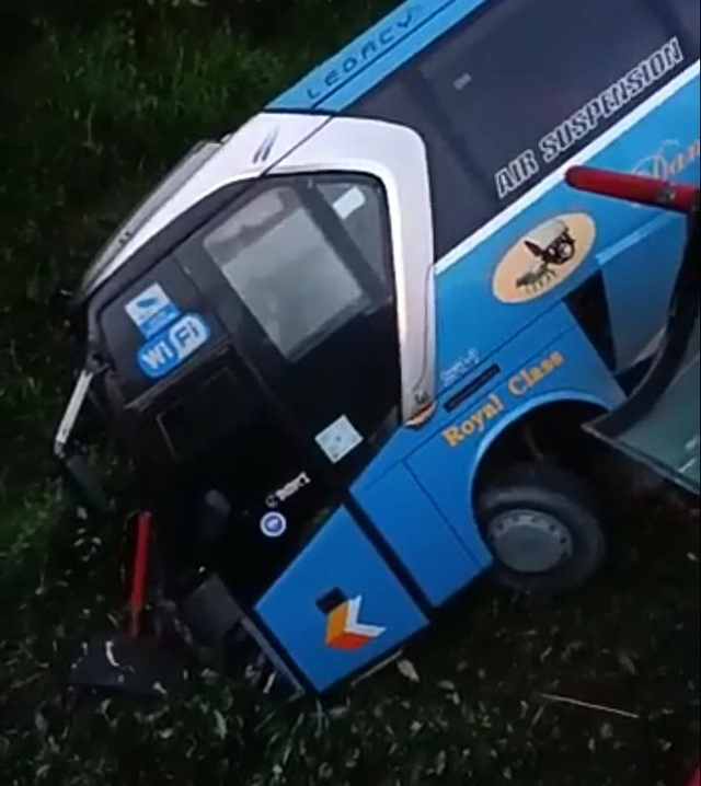 Bus Damri Nyungsep di Kalis, Ini Penyebab Kecelakaan Versi Polisi (1220225)