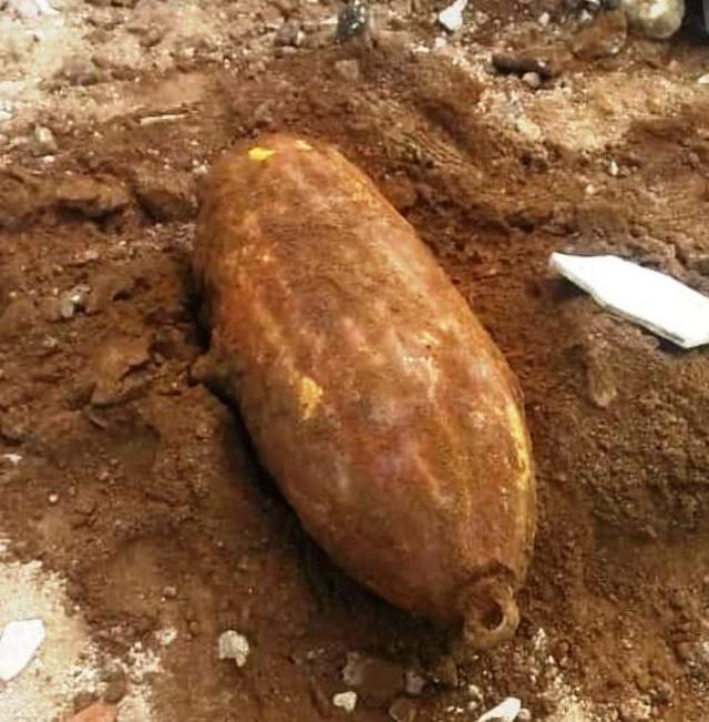 Tim Gegana Brimob Polda Jabar Berhasil Musnahkan Benda Mirip Bom Rudal (764839)