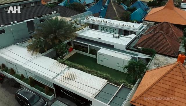 Mirip Kios Mal! Rumah Crazy Rich Bali Ini Punya Ruangan Berisi Ratusan Hermes (367419)