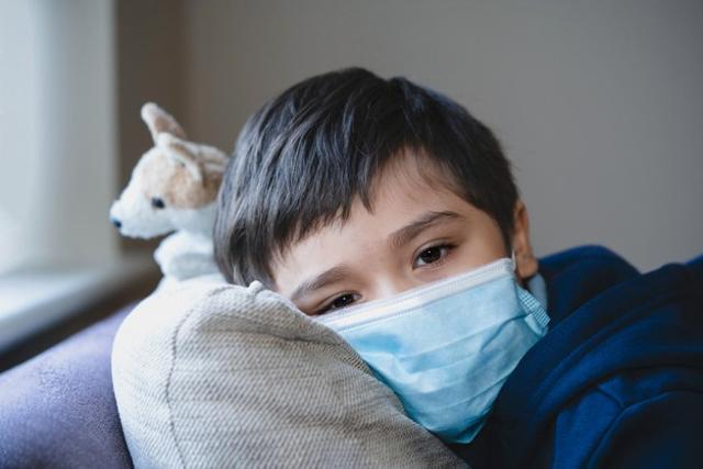 Tips dari Psikolog agar Anak yang Positif COVID-19 Tidak Stres (718643)