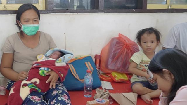 Cerita 3 Ibu Melahirkan di Tengah Amuk Massa Yalimo (50470)
