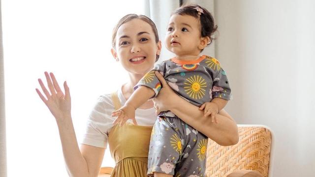 Bolehkah Bayi Makan Bubur Sumsum seperti Anak Rianti Cartwright? (140910)
