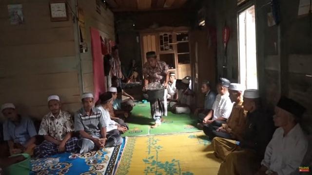 Beralas Tikar, 10 Potret Rumah Ucok Baba di Kampung Halaman Sebelum Terkenal (604719)