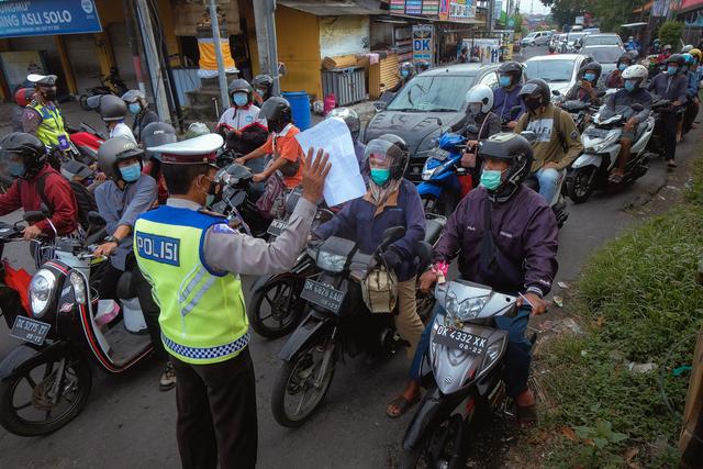 Polisi Longgarkan Pos Penyekatan Selama PPKM Level 3 di Bali (480482)