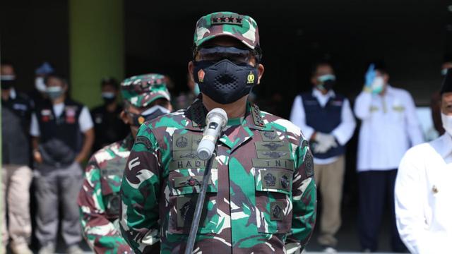 Panglima TNI: TNI Dekat dengan Rakyat, Tracing COVID-19 di Papua Tak Ada Masalah (29301)